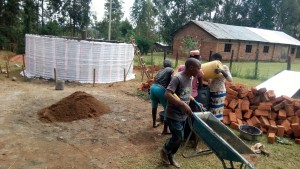 The Water Project : 9-kenya4645-construction