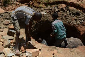 The Water Project : 1-kenya4777-well-construction