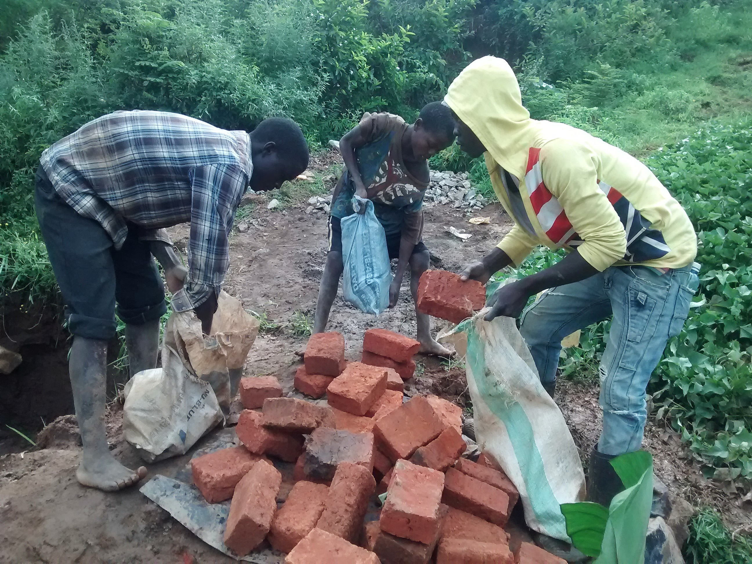 14 kenya4715 community members gather materials
