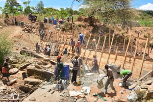 The Water Project : 18-kenya4760-construction