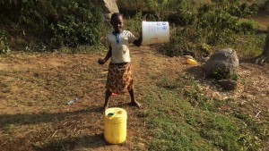 The Water Project : 2-kenya4743-ready-to-fetch-water