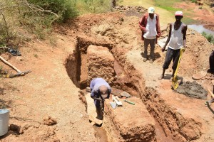 The Water Project : 2-kenya4780-well-construction