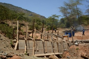 The Water Project : 22-kenya4757-construction