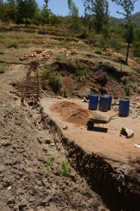 The Water Project : 23-kenya4757-construction