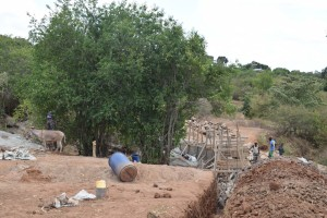 The Water Project : 24-kenya4756-construction