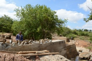 The Water Project : 25-kenya4756-construction