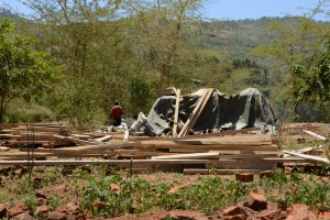 The Water Project : 25-kenya4757-construction