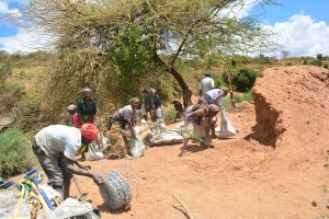The Water Project : 25-kenya4760-construction