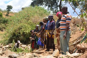 The Water Project : 27-kenya4760-construction