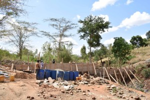 The Water Project : 28-kenya4757-construction
