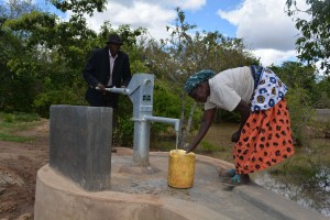 The Water Project : 3-kenya4776-finished-well