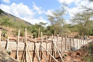 The Water Project : 30-kenya4757-construction