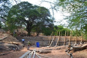 The Water Project : 30-kenya4759-construction