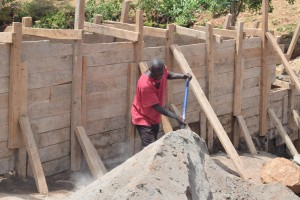 The Water Project : 33-kenya4757-construction