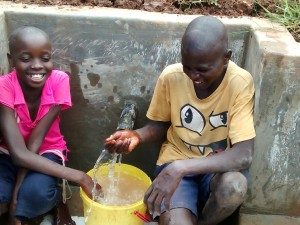 The Water Project : 34-kenya4715-clean-water