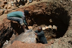 The Water Project : 4-kenya4777-well-construction