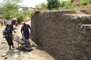 The Water Project : 6-kenya4780-well-construction