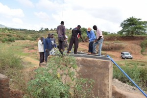 The Water Project : 7-kenya4780-well-construction