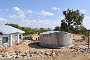 The Water Project : 11-kenya4803-tank-curing