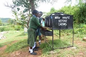 The Water Project : 16-kenya4803-hand-washing