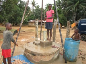 The Water Project : 18-sierraleone5107-flushing