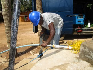 The Water Project : 20-sierraleone5107-flushing