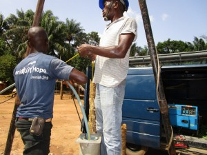 The Water Project : 21-sierraleone5107-flushing