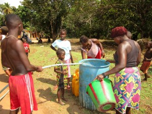 The Water Project : 22-sierraleone5107-flushing