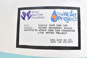 The Water Project : 24-kenya4803-finished-tank