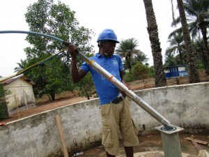 The Water Project : 24-sierraleone5106-flushing