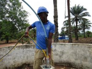 The Water Project : 25-sierraleone5106-flushing