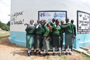 The Water Project : 26-kenya4803-finished-tank