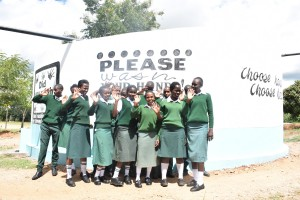 The Water Project : 29-kenya4803-finished-tank