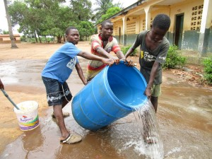 The Water Project : 29-sierraleone5106-flushing