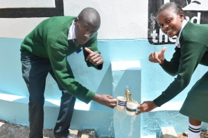 The Water Project : 37-kenya4803-finished-tank