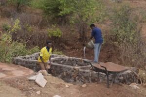 The Water Project : 40-kenya4763-well-construction