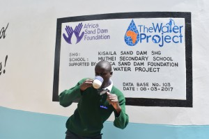 The Water Project : 40-kenya4803-finished-tank