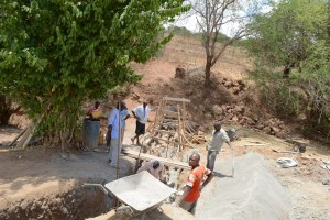The Water Project : 41-kenya4763-construction-phase-2