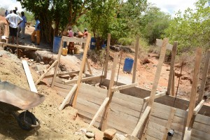 The Water Project : 43-kenya4763-construction-phase-2