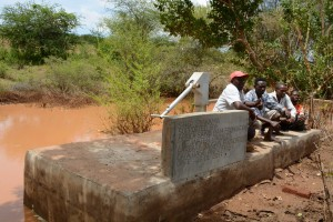 The Water Project : 43-kenya4763-finished-hand-dug-well