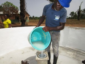 The Water Project : 43-sierraleone5106-pump-installation