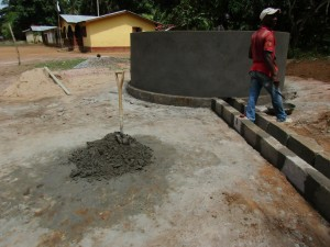 The Water Project : 43-sierraleone5107-building-well-pad