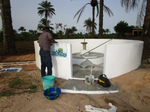 The Water Project : 45-sierraleone5106-pump-installation