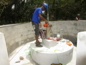 The Water Project : 48-sierraleone5107-installing-pump