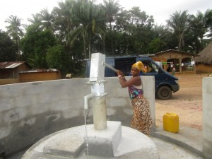 The Water Project : 50-sierraleone5107-clean-water
