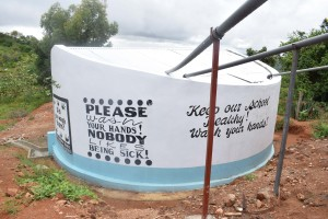 The Water Project : 51-kenya4800-finished-tank
