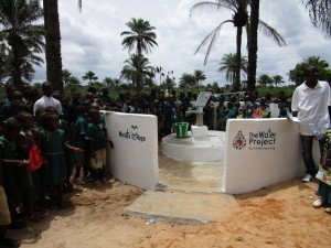 The Water Project : 55-sierraleone5106-clean-water-flowing