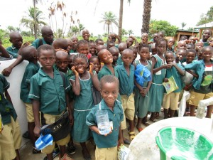 The Water Project : 58-sierraleone5106-clean-water-flowing