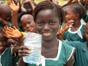 The Water Project : 59-sierraleone5106-clean-water-flowing