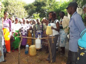 The Water Project : 11-kenya4758-training